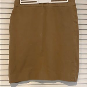 Beige pencil skirt from Banana Republic size 4P